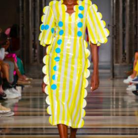Wear the walk yellow dots dress